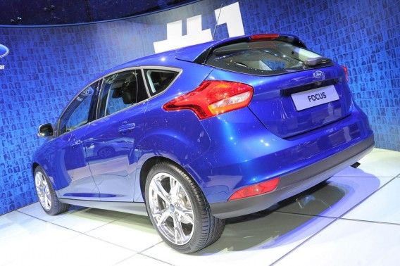 ford-focus-2015-goda-foto-video-1