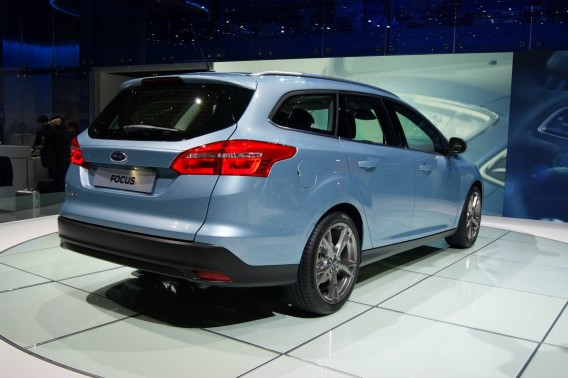 ford-focus-2015-goda-foto-video-3