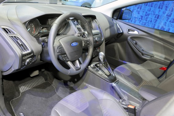 ford-focus-2015-goda-foto-video-4