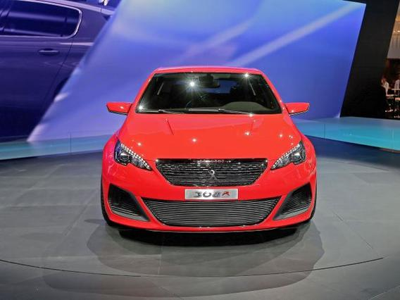 Концепт Пежо 308 R представлен на автовыставке во Франкфурте